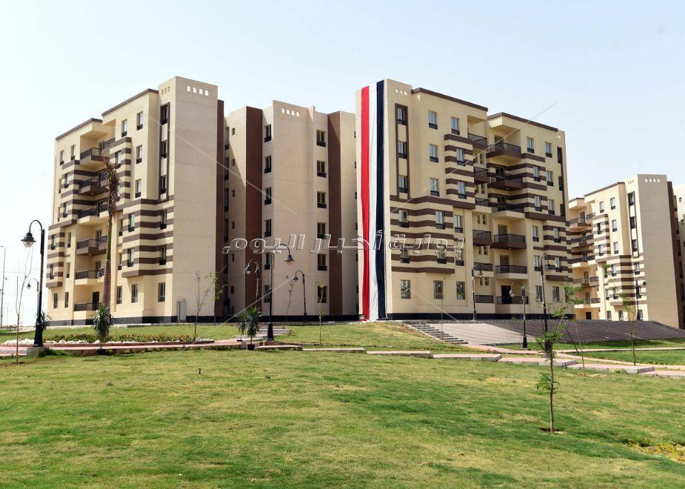 رئيس الوزراء يتفقد وحدات سكنية تم تنفيذها بحدائق أكتوبر لسكان عشوائيات الجيزة
