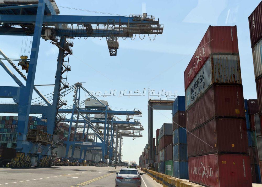 رئيس الوزراء يتفقد أعمال التطوير الجاري تنفيذها بميناء السخنة