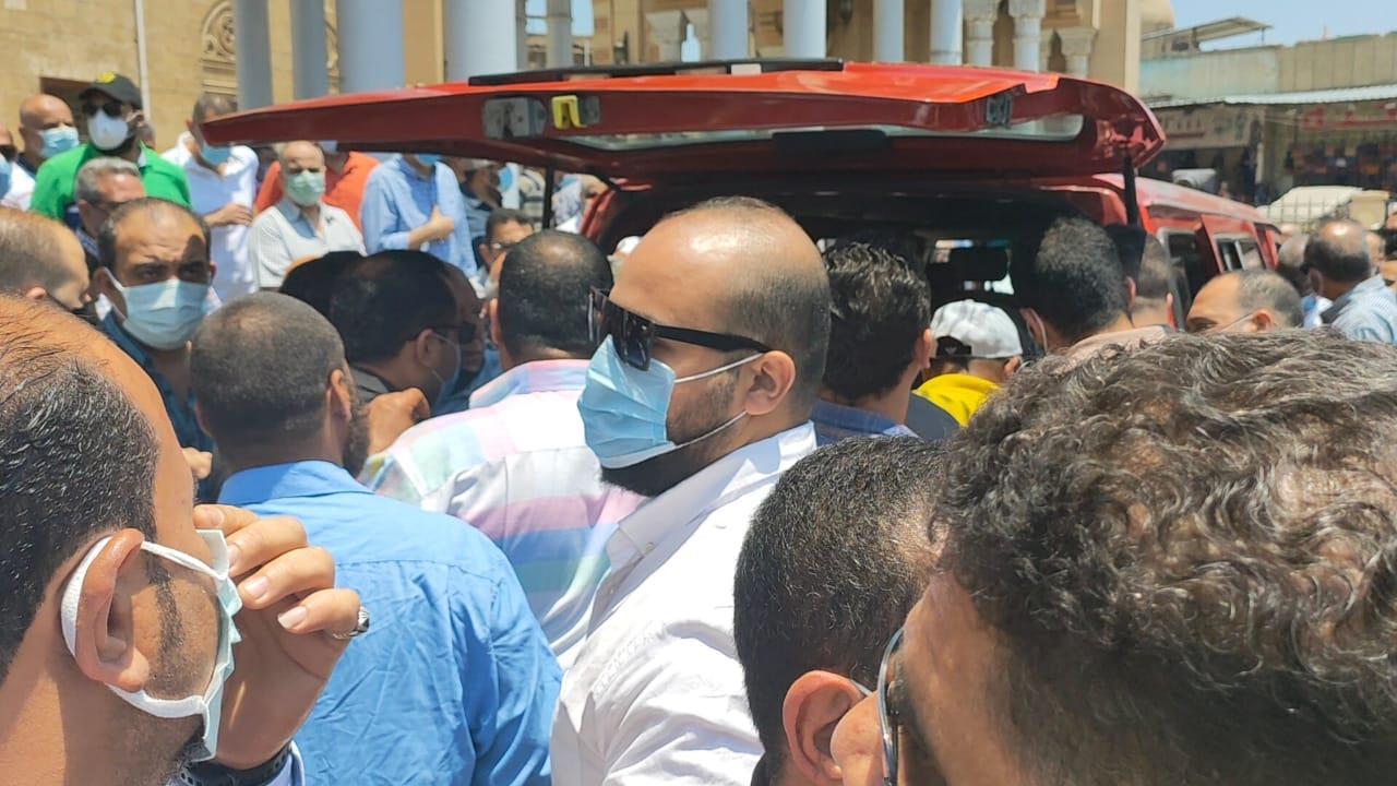 تشييع جثمان شقيق احمد شوبير