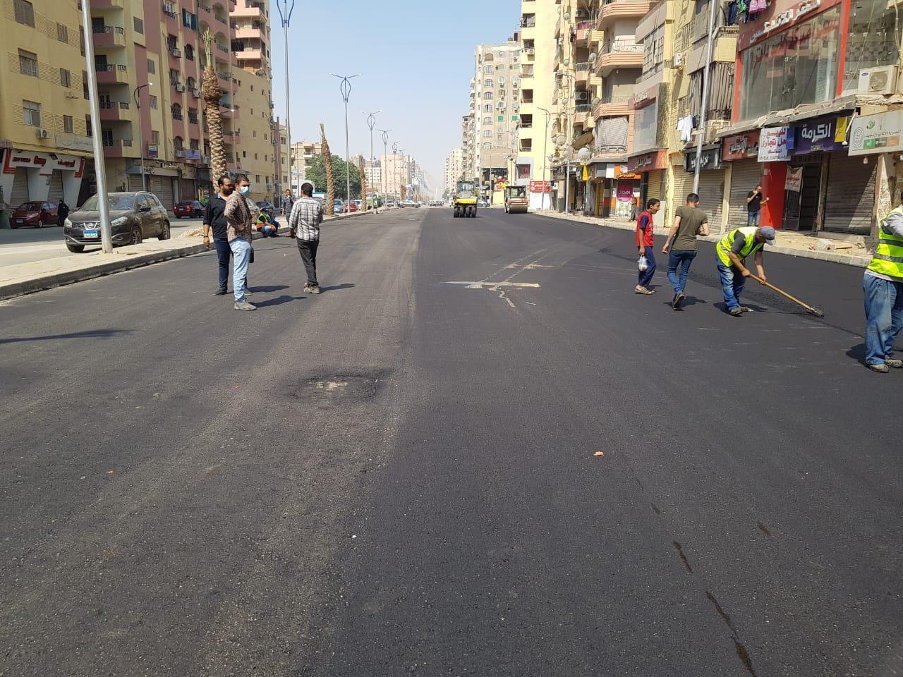 رصف شارع الزعيم السادات في الطالبية بالجيزة