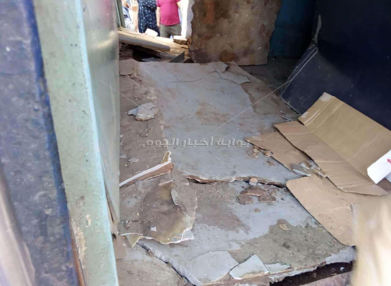 الصور الأولى لحادث اصطدام جرار بقطار الإسكندرية