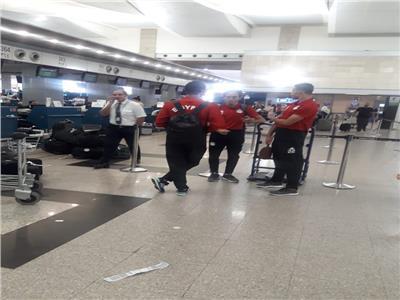 صور| بعثة المنتخب الأولمبي تغادر إلى تونس