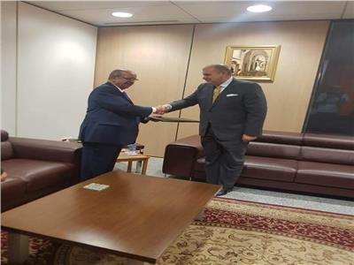 «مشرفة» يقدم أوراق اعتماده سفيرًا لمصر لدى الجزائر