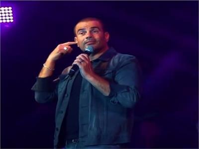 فيديو| الهضبة يرفض طلب شاب بغناء «قال فاكرينك».. وبهاء الدين يُهاجمه