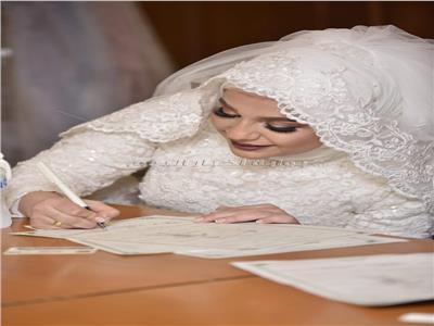 بالصور.. نجوم الفن في عقد قران شقيقة دنيا المصري