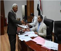 القيادات العمالية تتقدم بأوارق ترشحها لعضوية اتحاد عمال مصر