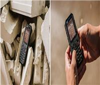 شاهد| هاتف مقاوم للماء والصدمات مزود بتقنية «4G»