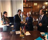 وزير التعليم العالي يزور المكتب الثقافي بإيطاليا ويوقع اتفاقية تعاون