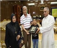 محافظ المنوفية يستقبل أسرة الشهيد أحمد عادل