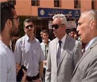 القائم بعمل رئيس جامعة المنوفية يستقبل الطلاب الجدد
