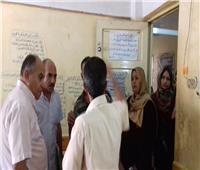 صور| زحام بمكتب تموين سمنود لنقص استمارات المواليد