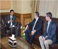 وزير الشباب والرياضة يبحث تطوير منظومة الطب الرياضي بمصر