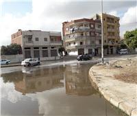 سيارات لشفط المياه عقب سقوط أمطار غزيرة في العريش