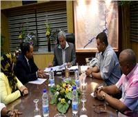 محافظ أسوان يرحب بمبادرة «عنيك عنينا» ويؤكد على دعم كافة المبادرات المجتمعية