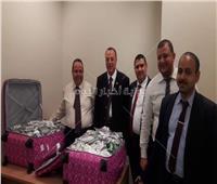 ضبط 4 آلاف شريط بنادول مع ممرضة بالمطار