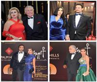 صور| «الكابلز» يسيطرون على السجادة الحمراء لمهرجان القاهرة السينمائي