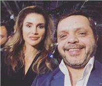 بعد ظهوره مع الهضبة بالسعودية.. هنيدي يلتقط «سيلفي» مع الملكة رانيا