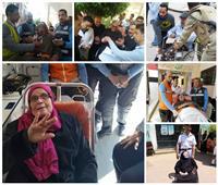 صور| «مصر حلوة وناسها حلوة».. المصريون «إيد في إيد» لتسهيل المشاركة في الاستفتاء