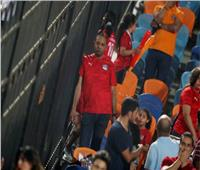 صور| الحزن يخيم على الجمهور المصري بعد الهزيمة