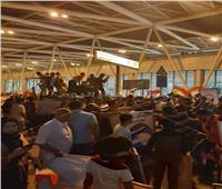 وسط استقبال حافل.. أبطال اليد يصلون إلى القاهرة