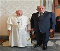 وزير الخارجية يسلم بابا الفاتيكان رسالة من الرئيس السيسي