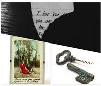 حكايات| فساتين زفاف وهدايا غرامية.. جولة بمتحف ذكريات «الحب الضائع»