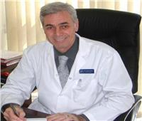 حوار| رئيس قسم الصدر بقصر العيني يكشف أسباب تطور «كورونا» وطرق الوقاية