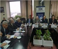 ننشر تفاصيل اجتماع رئيس مصلحة الجمارك مع جمعية رجال الأعمال المصريين