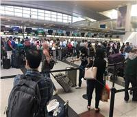 حكايات على أبواب مطار القاهرة.. عائدون للحياة بعد «حبسة» كورونا