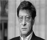 ناقد: محمود درويش سيّس الأدب وأدب السياسة