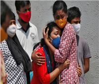 الهند تُسجل أكثر من 295 ألف إصابة جديدة و 2023 وفاة بكورونا