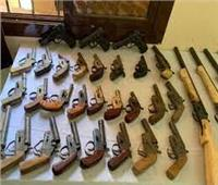 الداخلية: ضبط ترسانة أسلحة و1600 متهما