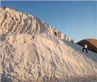 تلال الملح في بورفؤاد.. وجهة جديدة للسياحة الداخلية تنتظر الترويج «العالمي»