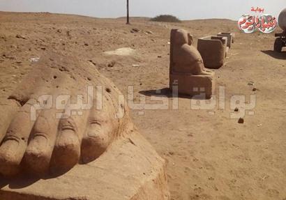 """أجزاء من أثار صان الحجر """"تانيس"""" بمحافظة الشرقية"""
