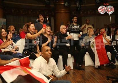 فرحة الفنانين بالتأهل لكأس العالم