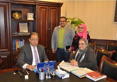 وزير الصحة والسكان خلال اجتماعه مع الأمين العام للأمانة العامة للصحة النفسية