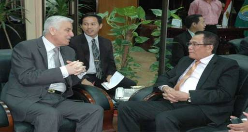 اتفاقية لتفعيل التآخي بين محافظة الإسماعيلية وإندونيسيا