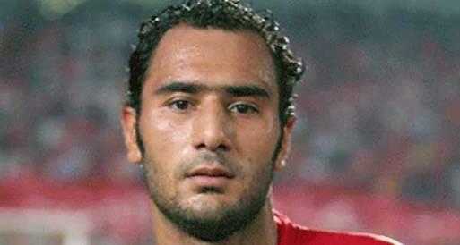 محمد شوقي يتقدم بطلب رسمي للرحيل من النادي الأهلي