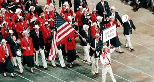 البعثة الأمريكية تنتخب حامل العلم الأوليمبي