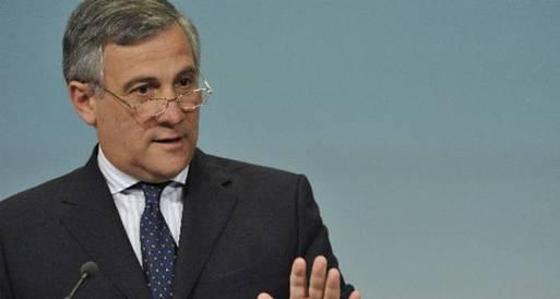 نائب رئيس المفوضية الأوربية يطالب بدستور يضمن حقوق المستثمرين الأجانب