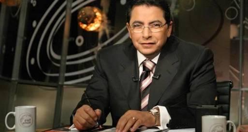 محمود سعد يستنكر قطع الكهرباء عن ميدان التحرير