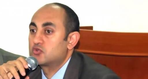 خالد علي: أفضل مقاطعة الاستفتاء وملتزم بموقف القوى السياسية