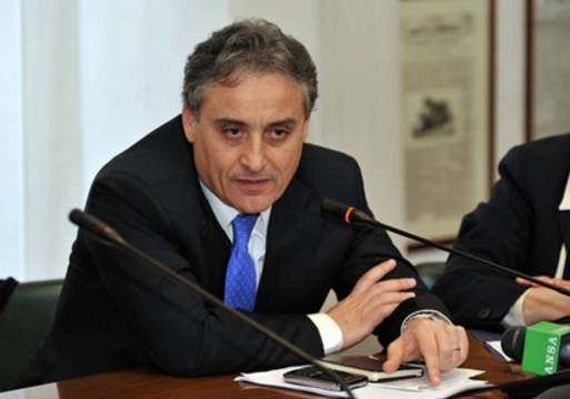 السيد موريزيو ماسارى سفير دولة ايطاليا لدى القاهرة