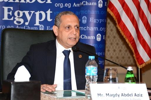 رئيس مصلحة الجمارك الدكتور مجدي عبد العزيز
