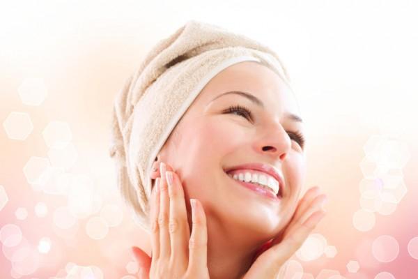 زيت الزيتون والسكر يخلصك من الجلد الميت ويرطب بشرتك