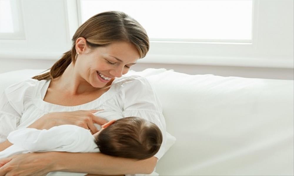 «الرضاعة الطبيعية» تحميكي من «السكر»