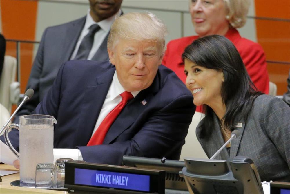 السفير نيكي هيلي والرئيس دونالد ترامب