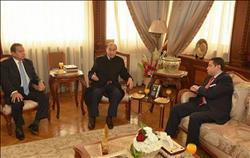 اجتماع وزير قطاع الأعمال العام مع الفريق مهاب مميش