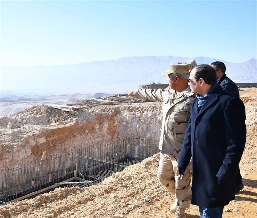 الرئيس السيسي يتفقد مشروع هضبة الجلالة