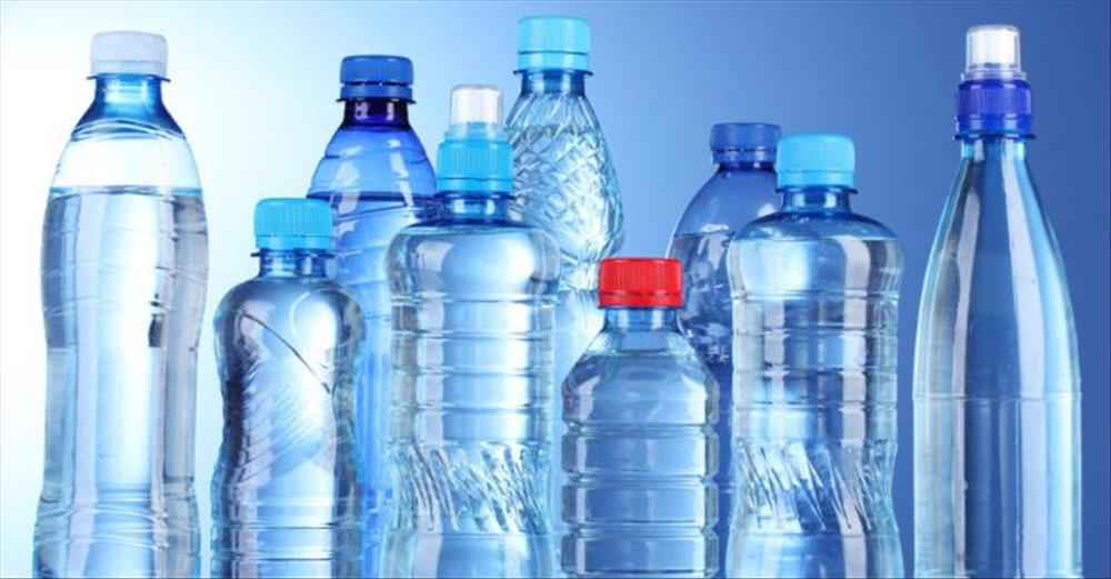 الزجاجات البلاستيكية